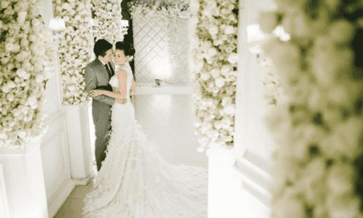 งานแต่งงานหลากสไตล์ ด้วยดอกไม้สีขาว