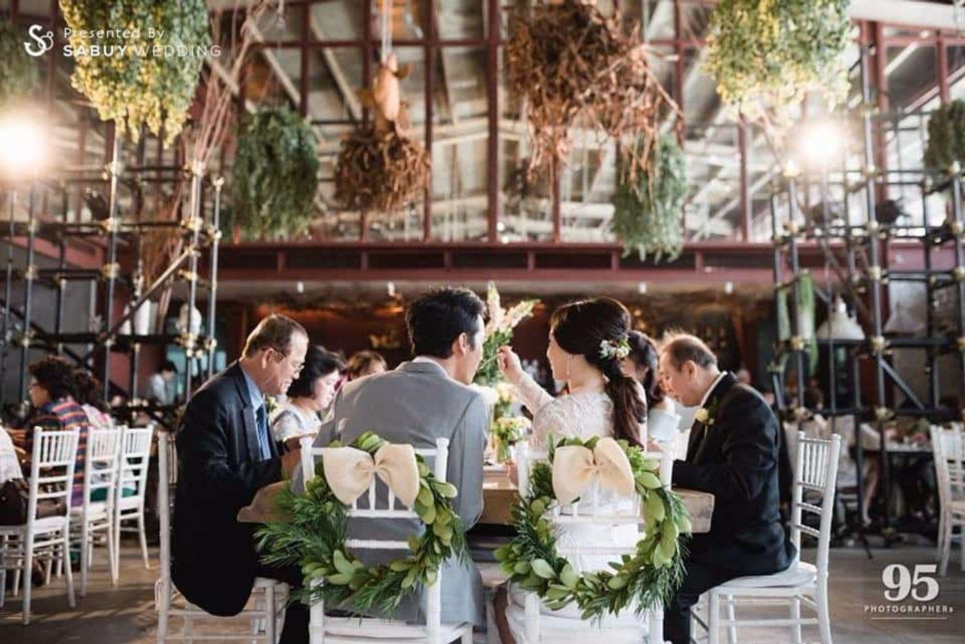 บ่าวสาว,รูปงานแต่ง,long-table,สถานที่แต่งงาน,สถานที่จัดงานแต่งงาน รีวิวงานแต่ง กิมมิคสนุกทุก Sequence ปังจนเพื่อนยังต้องยกนิ้ว @Vivarium by Chef Ministry