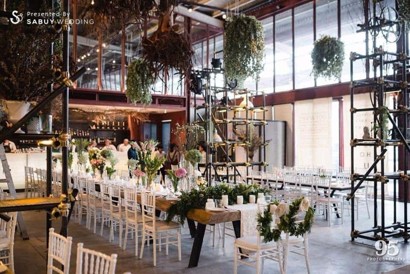 long-table,ตกแต่งงานแต่ง,จัดดอกไม้งานแต่ง,สถานที่แต่งงาน,สถานที่จัดงานแต่งงาน รีวิวงานแต่ง กิมมิคสนุกทุก Sequence ปังจนเพื่อนยังต้องยกนิ้ว @Vivarium by Chef Ministry