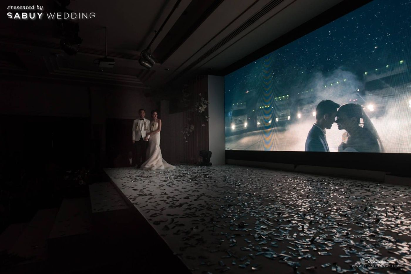 บ่าวสาว,พรีเซนเทชั่นแต่งงาน,งานแต่งงาน,เวทีงานแต่ง รีวิวงานแต่งแห่งปีของอยุธยา หรูหราด้วยโทนสี Rose Gold @Krungsri River Hotel