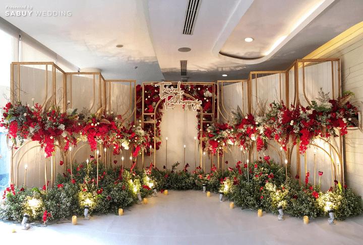 CDC Crystal Grand Ballroom,สถานที่แต่งงาน,สถานที่จัดงานแต่งงาน,สถานที่แต่งงานขนาดใหญ่,งานแต่งงาน,ตกแต่งงานแต่ง,แบคดรอป,Backdrop งานแต่ง,จัดดอกไม้งานแต่ง CDC Crystal Grand Ballroom ห้องจัดเลี้ยงแชนเดอเลียร์สวยแกรนด์ ถ่ายรูปงานแต่งมุมไหนก็ปัง!