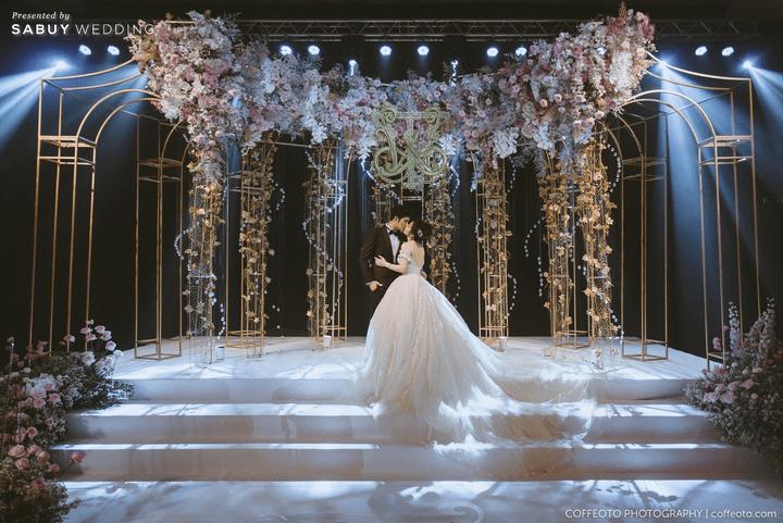 ตกแต่งงานแต่งงาน รีวิวงานแต่งสวยปัง อลังกับชุดเจ้าสาว Glow in the dark เรืองแสงได้ @ InterContinental Bangkok