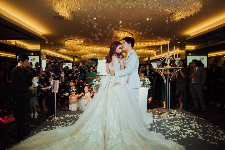 รีวิวงานแต่งริมน้ำสุดอบอุ่น สวยละมุนในโทนขาวเขียว @ Chatrium Hotel Riverside Bangkok