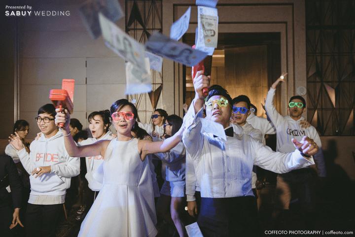 สถานที่จัดงานแต่งงาน,,ชุดบ่าวสาว,ชุดเพื่อนเจ้าบ่าว,ชุดเพื่อนเจ้าสาว รีวิวงานแต่งสวยปัง อลังกับบรรยากาศ Lake Blausee สุดโรแมนติก @ Siam kempinski hotel Bangkok