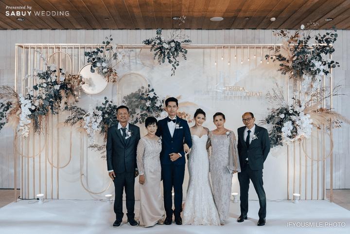 backdrop รีวิวงานแต่งสวยโรแมนติกกับกิมมิคห้องวิวทะเล @ Hilton Pattaya