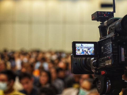 NSS Production Light & Sound, LED screen, Video recording - editing all video formats, live streaming.